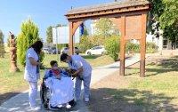 Szépül a kecskeméti Egészségkert, egy váratlan vendég is hozzájárul a betegek jó közérzetéhez